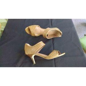 Corso como sandals sz 9